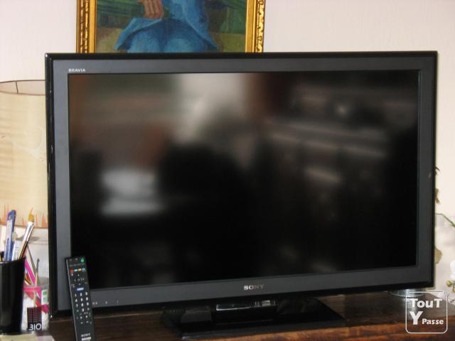 photo de TELEVISEUR FULL HD SONY BRAVIA 102 cm