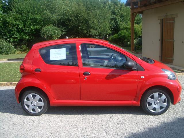 toyota aygo essence 1 0l de 2006 faible kilometrage sarthe. Black Bedroom Furniture Sets. Home Design Ideas