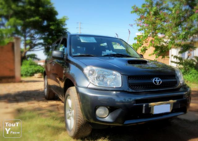 photo de TOYOTA RAV4 (2e generation) A VENDRE