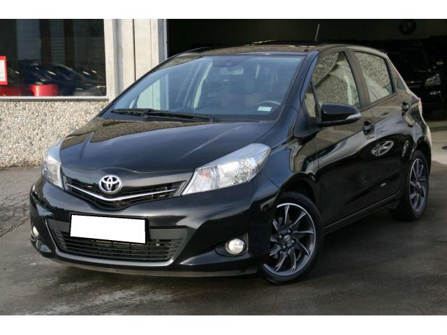 toyota yaris 1 4 d 4d style occasion pas cher flandre occidentale annonces voitures d 39 occasion. Black Bedroom Furniture Sets. Home Design Ideas
