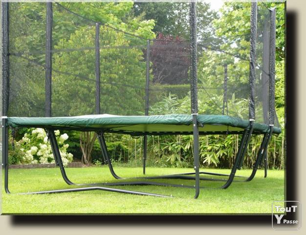 Trampoline rectangulaire for Trampoline exterieur decathlon