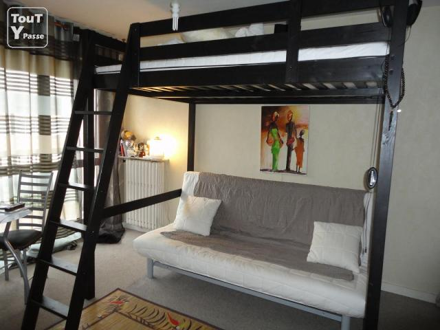 tr s bonne occasion mezzanine ikea stora 2 places. Black Bedroom Furniture Sets. Home Design Ideas