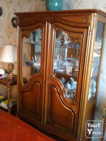 tr s joli meuble vitrine salon salle manger tat neuf limoges 87000. Black Bedroom Furniture Sets. Home Design Ideas
