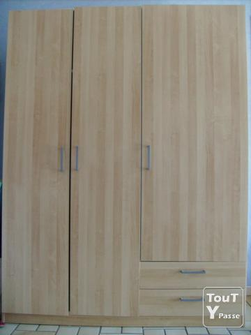 urgent armoire ikea bon tat strasbourg 67000. Black Bedroom Furniture Sets. Home Design Ideas