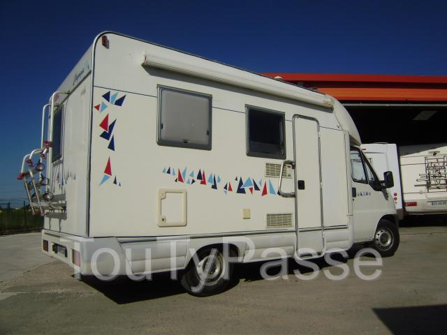 vend camping car fiat ducato 4 places 1 9 gard. Black Bedroom Furniture Sets. Home Design Ideas