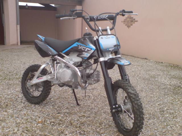 vend dirt bike ycf 125 cc etat neuf p ronnas 01960. Black Bedroom Furniture Sets. Home Design Ideas