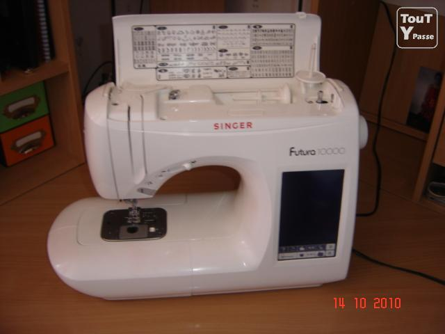 photo de Vend machine à coudre Singer Futura 10000 de 2000