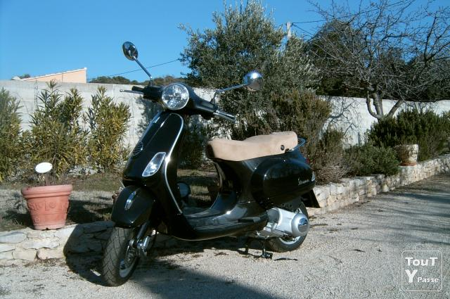 vend vespa lx 125 vaucluse. Black Bedroom Furniture Sets. Home Design Ideas