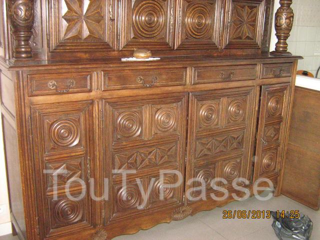 vends 3 jolis meubles rustiques bretons patin s par le temps mais toujours en bon etat inclus. Black Bedroom Furniture Sets. Home Design Ideas