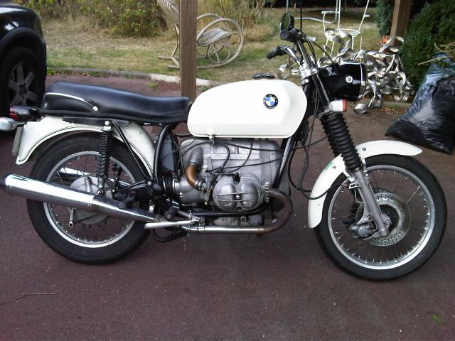 vends bmw r60 5 blanche 1971 nantes 44000. Black Bedroom Furniture Sets. Home Design Ideas