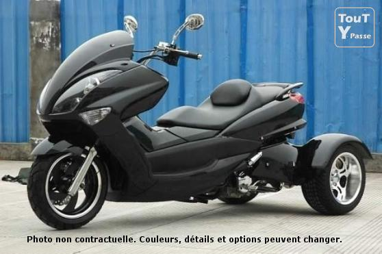 vends scooter ouragan 3 roues 200 cc sous garantie. Black Bedroom Furniture Sets. Home Design Ideas