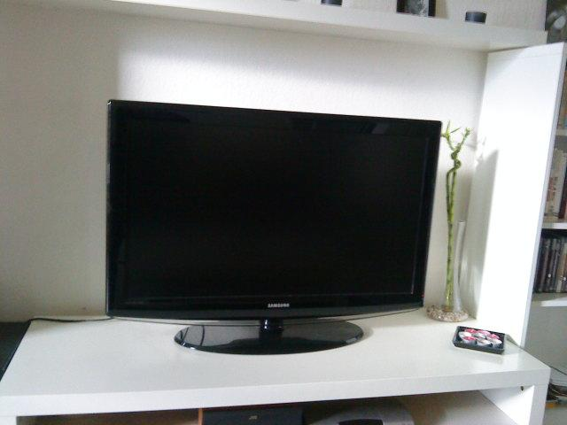 vends television lcd samsung 102 cm seine et marne. Black Bedroom Furniture Sets. Home Design Ideas