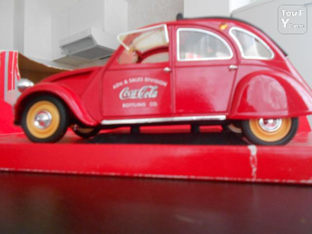 voiture coca cola de collection citroen 2cv 1966. Black Bedroom Furniture Sets. Home Design Ideas