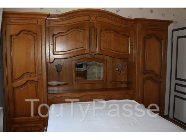 a vendre lit pont et commode en ch ne massif hermival les vaux 14100. Black Bedroom Furniture Sets. Home Design Ideas