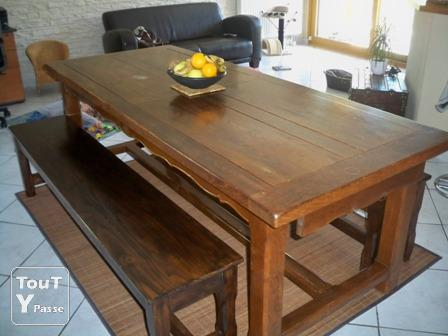 vendre vaisselier ch ne massif table de ferme 2bancs troyes 10000. Black Bedroom Furniture Sets. Home Design Ideas