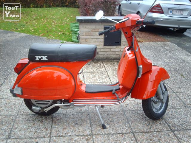 a vendre vespa px 150 occasion pas cher annonces scooter. Black Bedroom Furniture Sets. Home Design Ideas