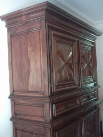 armoire salle manger style fin louis xiii d but louis xiv m dis 17600. Black Bedroom Furniture Sets. Home Design Ideas