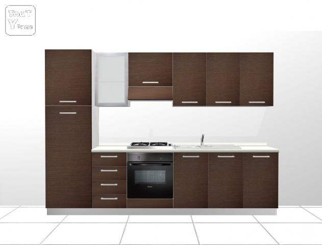 cuisine equipee import e d 39 italie avec electromenager p ruwelz 7600. Black Bedroom Furniture Sets. Home Design Ideas