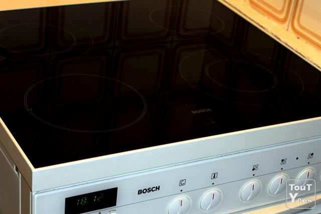 Photo CUISINIERE FOUR BOSCH HSN 572 BEU image 2/5