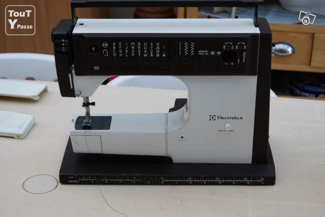 Machine coudre electrolux model 6690 nice 06000 for Machine a coudre 91