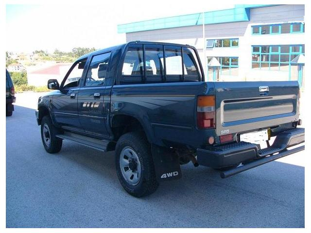 toyota hilux tracker 4x4 sr5 double cabine dijon 21000. Black Bedroom Furniture Sets. Home Design Ideas