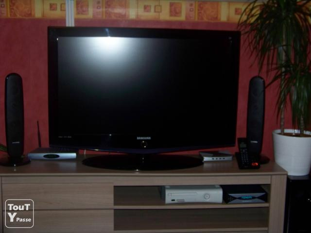 tv lcd 101 cm tv lcd 101 cm sur enperdresonlapin. Black Bedroom Furniture Sets. Home Design Ideas