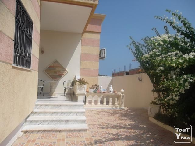 Villa a vendre a tunisie sousse akouda for Salon 9 places tunisie