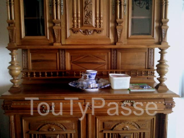 a vendre buffet 2 corps style henri ii aabasene. Black Bedroom Furniture Sets. Home Design Ideas