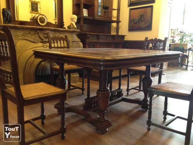 Ancienne table de salle manger escamotable en ch ne for Table salle a manger escamotable