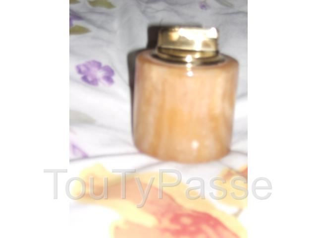 Briquet dans support rond en marbre paris 19 buttes for Decoration 75019