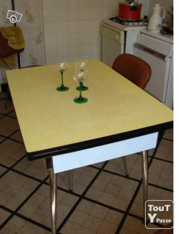 Ensemble formica grand meuble de cuisine table 4 for Grand meuble de cuisine