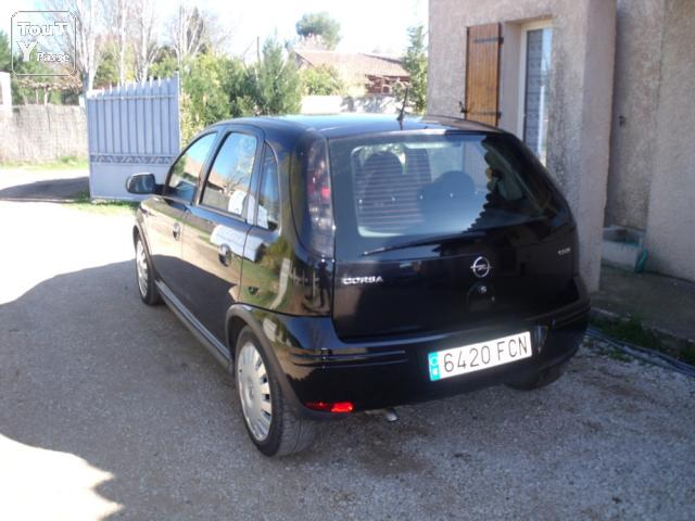 opel corsa 1 3 cdti noire 48800 km saint maximin la sainte baume 83470. Black Bedroom Furniture Sets. Home Design Ideas