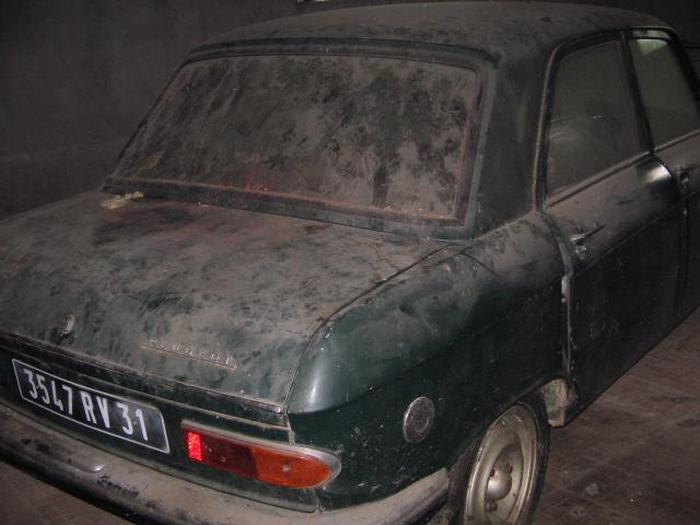 Photo PEUGEOT 204 ESSENCE ANNEE 1968 COLLECTION image 3/6