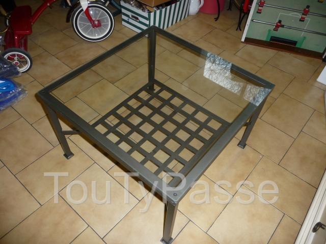 Table basse en verre fer forge for Table basse fer forge plateau verre