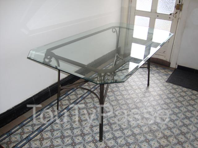 Table en fer forg avec un plateau en verre vitry en for Table en verre fer forge