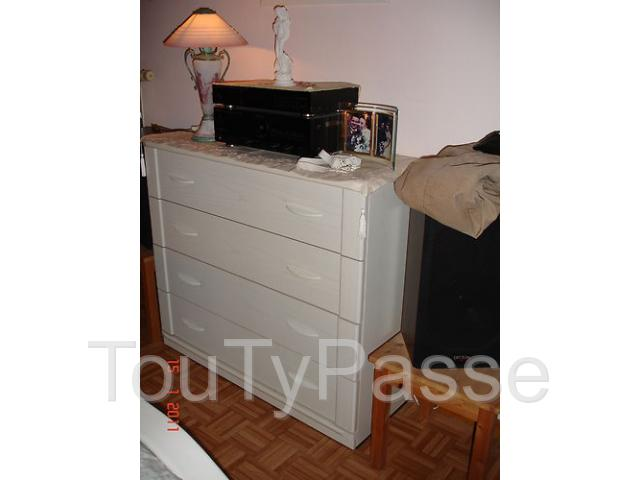 tr s belle chambre coucher en ch ne blanche le roeulx mignault 7070. Black Bedroom Furniture Sets. Home Design Ideas