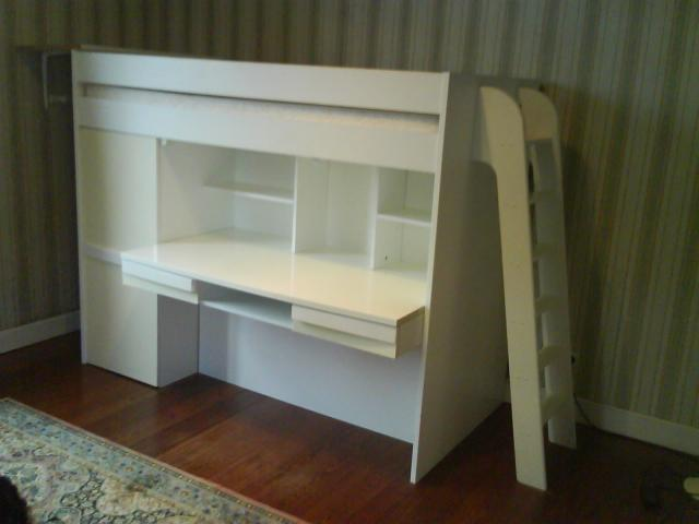 vend chambre enfant blanche avec bureau et lit sur lev. Black Bedroom Furniture Sets. Home Design Ideas