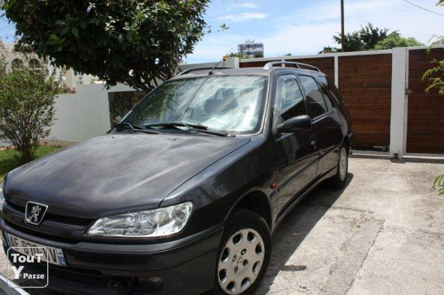 vends peugeot 306 break a st denis reunion territoires d 39 outre mer. Black Bedroom Furniture Sets. Home Design Ideas