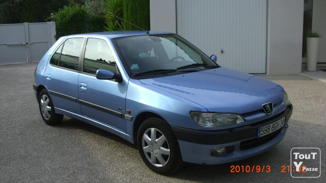 vends peugeot 306 xt essence montpellier 34000. Black Bedroom Furniture Sets. Home Design Ideas