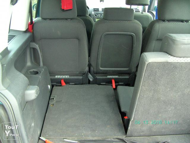 Vw touran 7places 1900 tdi occasion pas cher florennes for Touran interieur 7 places
