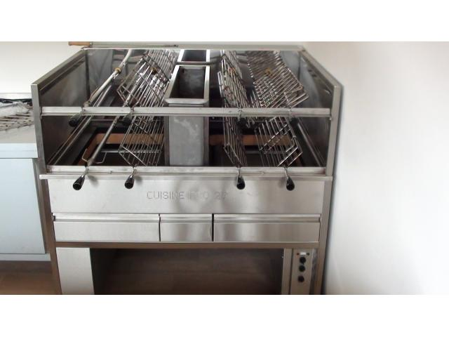 Churraqueira barbecue gril rotissoire inox for Materiel inox professionnel