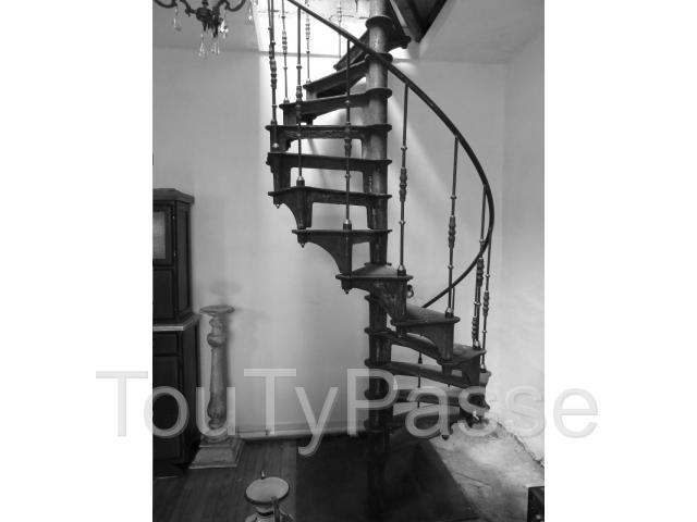 escalier industriel colima on en fonte vers 1880 poque. Black Bedroom Furniture Sets. Home Design Ideas