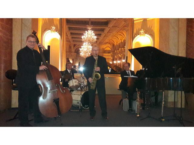 Photo Jazz Band Chateau Chillon Lake Geneva Wedding band Montreux Switzerland image 4/6