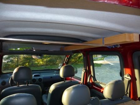 renault kangoo rouge amenage pour dormir thonon les bains. Black Bedroom Furniture Sets. Home Design Ideas
