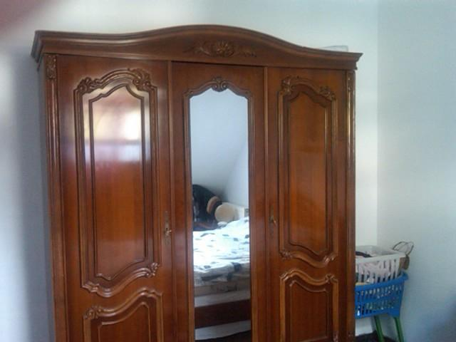 vends chambre a coucher 2 personnes lit armoire et chevet. Black Bedroom Furniture Sets. Home Design Ideas