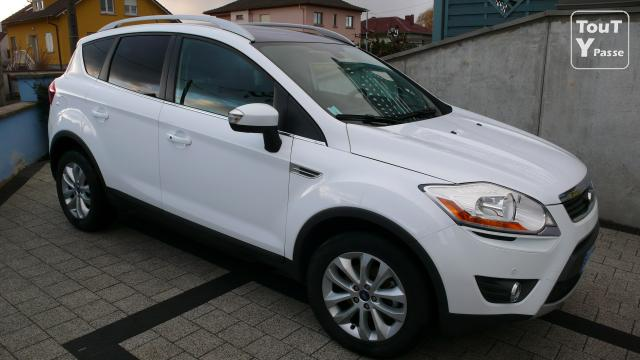 vends manifique ford kuga tdci blanc toutes options. Black Bedroom Furniture Sets. Home Design Ideas