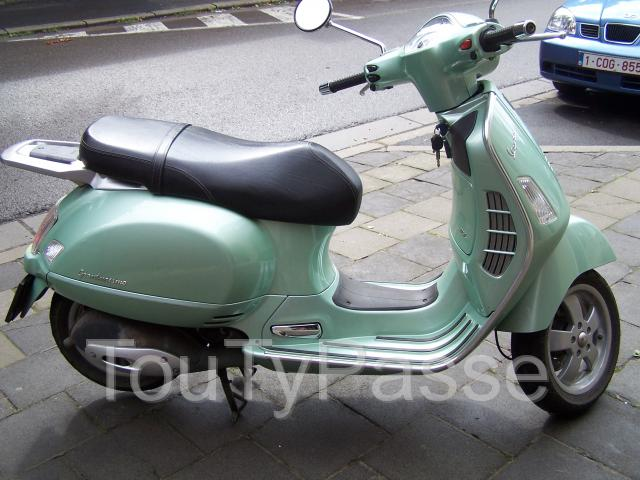 vespa 125 gts 1ere s rie manage 7170. Black Bedroom Furniture Sets. Home Design Ideas