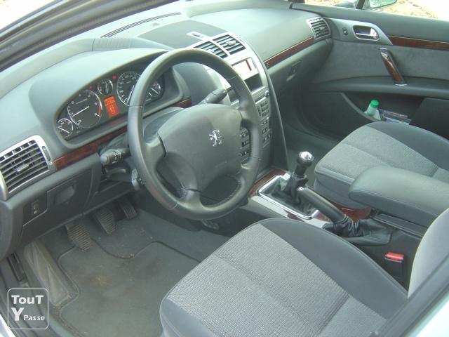 peugeot 407 1 6 hdi executive pack fap 63000 kms 2006 fontenay le comte 85200. Black Bedroom Furniture Sets. Home Design Ideas