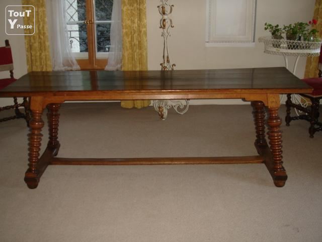 table ancienne de chateau en bois de ch ne massif blonay 1807. Black Bedroom Furniture Sets. Home Design Ideas