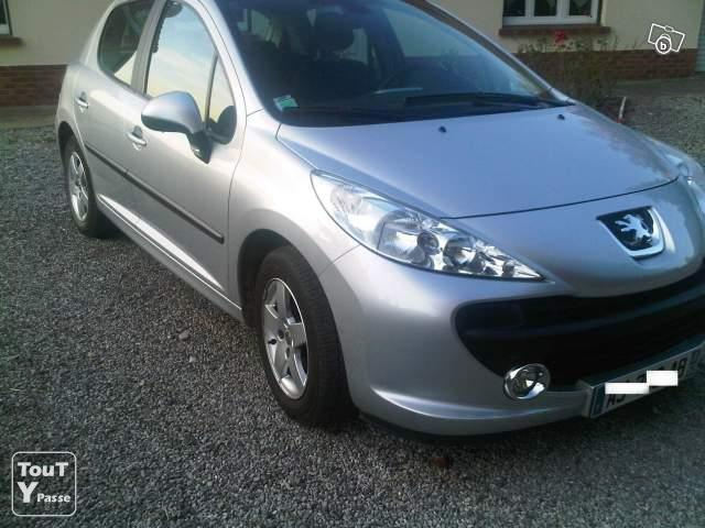 peugeot 207 grise 25 000 km diesel annee 2009 pas de calais. Black Bedroom Furniture Sets. Home Design Ideas